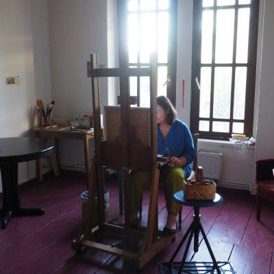 Feodora Hohenlohe in ihrem Atelier auf Schloß Ippenburg